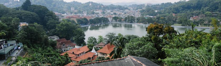 Lago de Kandy.jpg